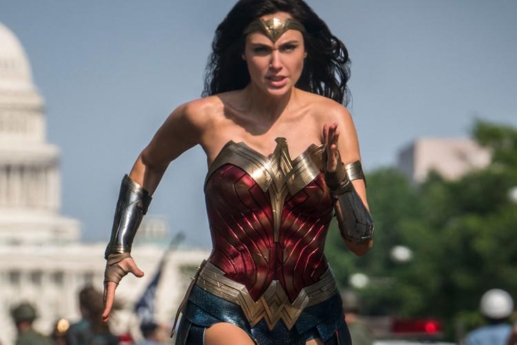 cosplay as Wonder Woman